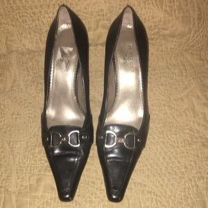 Anne Klein I flex buckle shoes